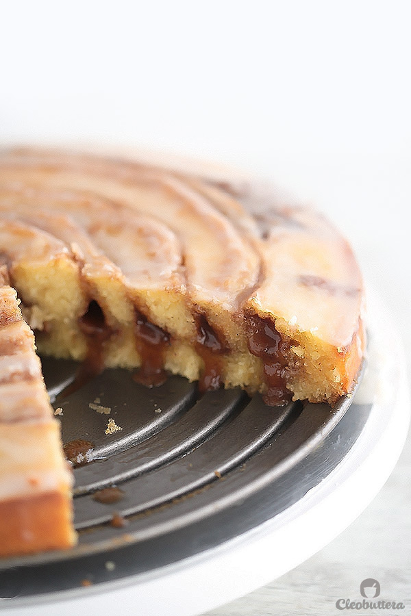Easy Gooey Cinnamon Roll Cake - All the deliciousness of cinnamon ...