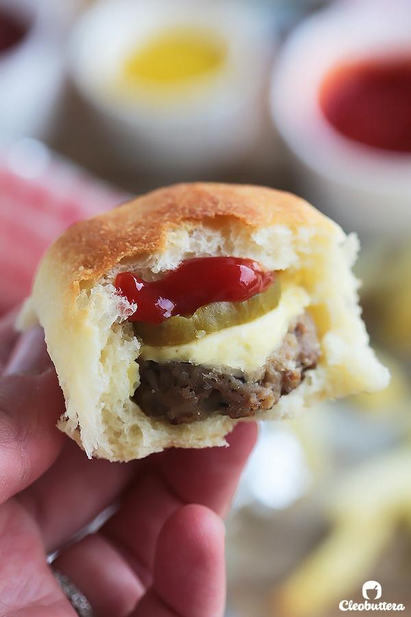 Mini Cheeseburger-stuffed Buns